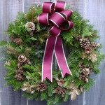 Gold_Christmas_Wreath_by_LilyWyte